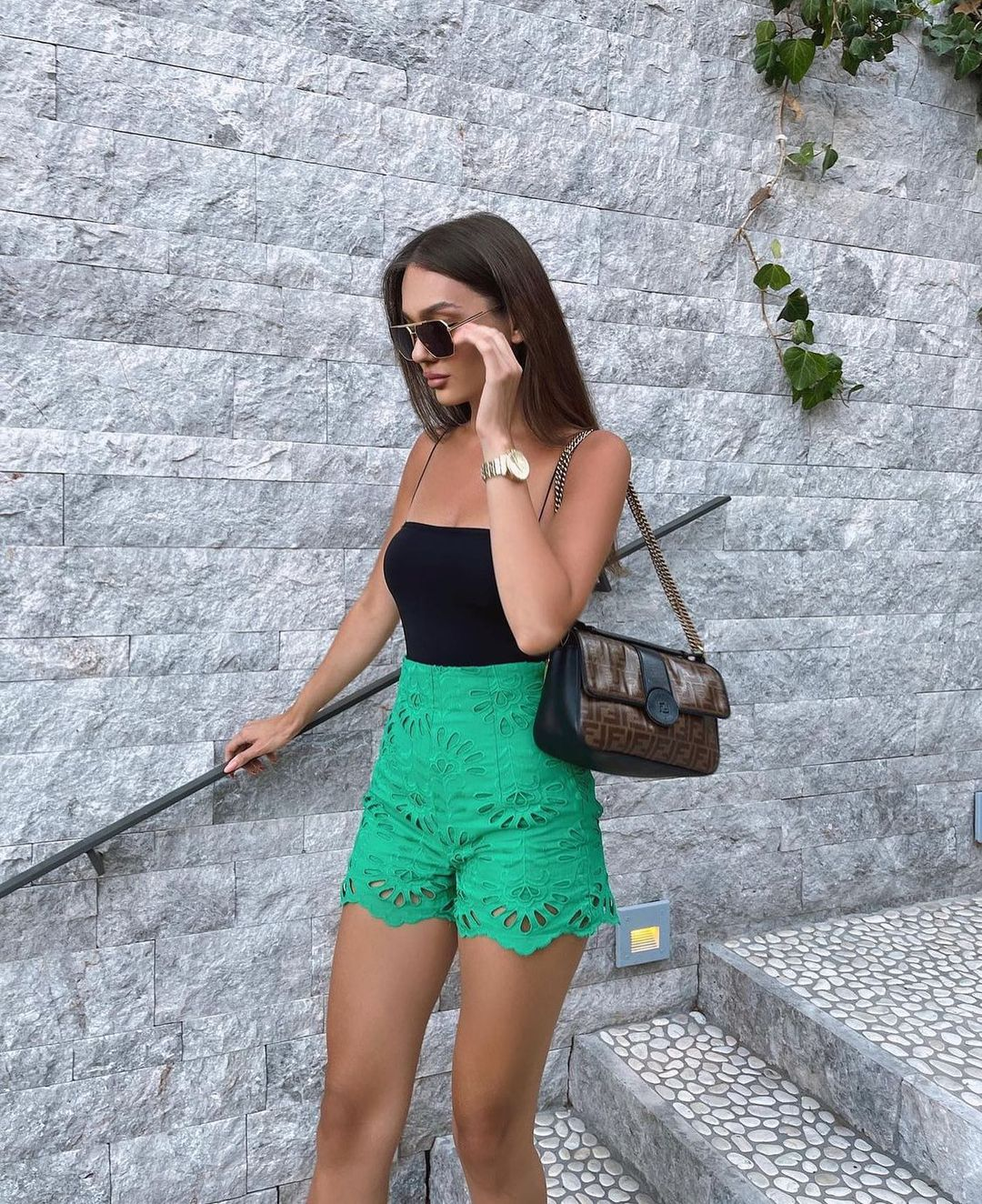 embroidered and perforated shorts de Zara sur zarastreetstyle