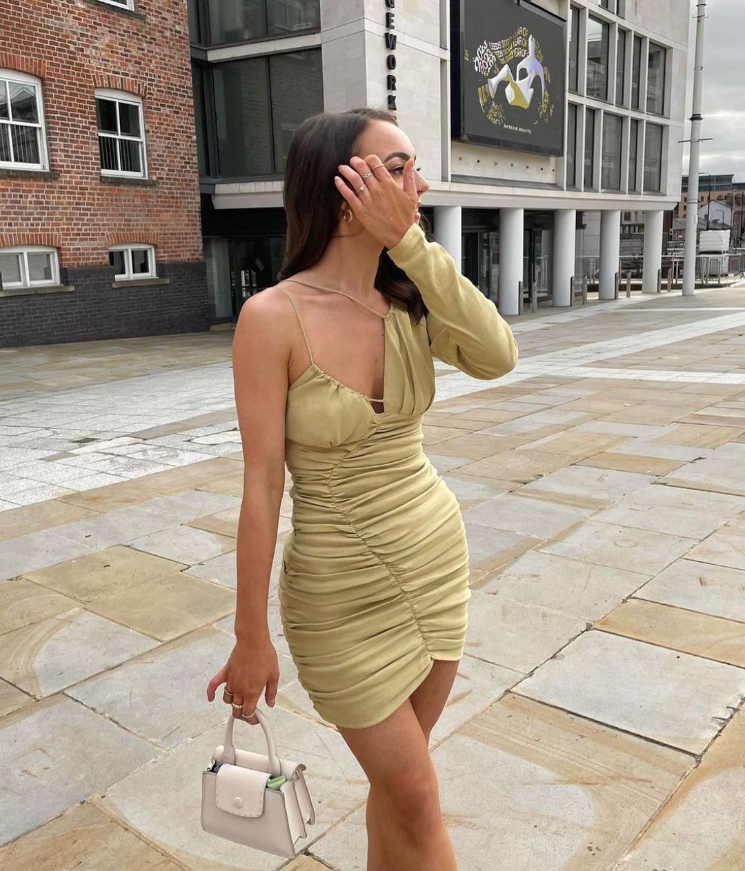 robe avec lin drapée de Zara sur zara.style.daily