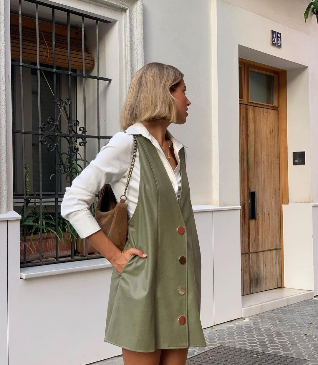 jupe style robe-salopette en matière synthétique de Zara sur zaraaddiction