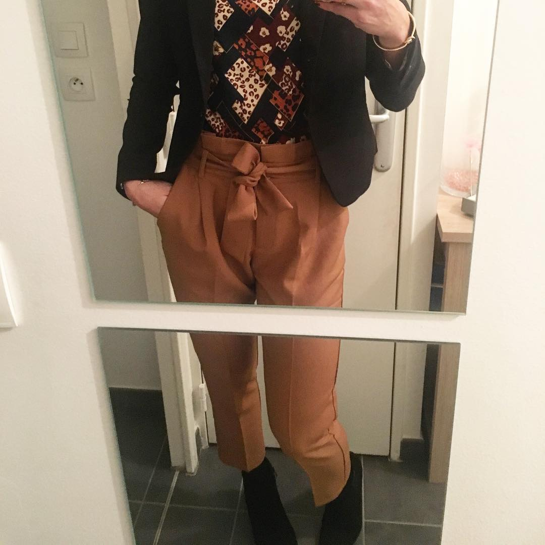 pantalon caramel de Les Bourgeoises sur nastassja_bourquin