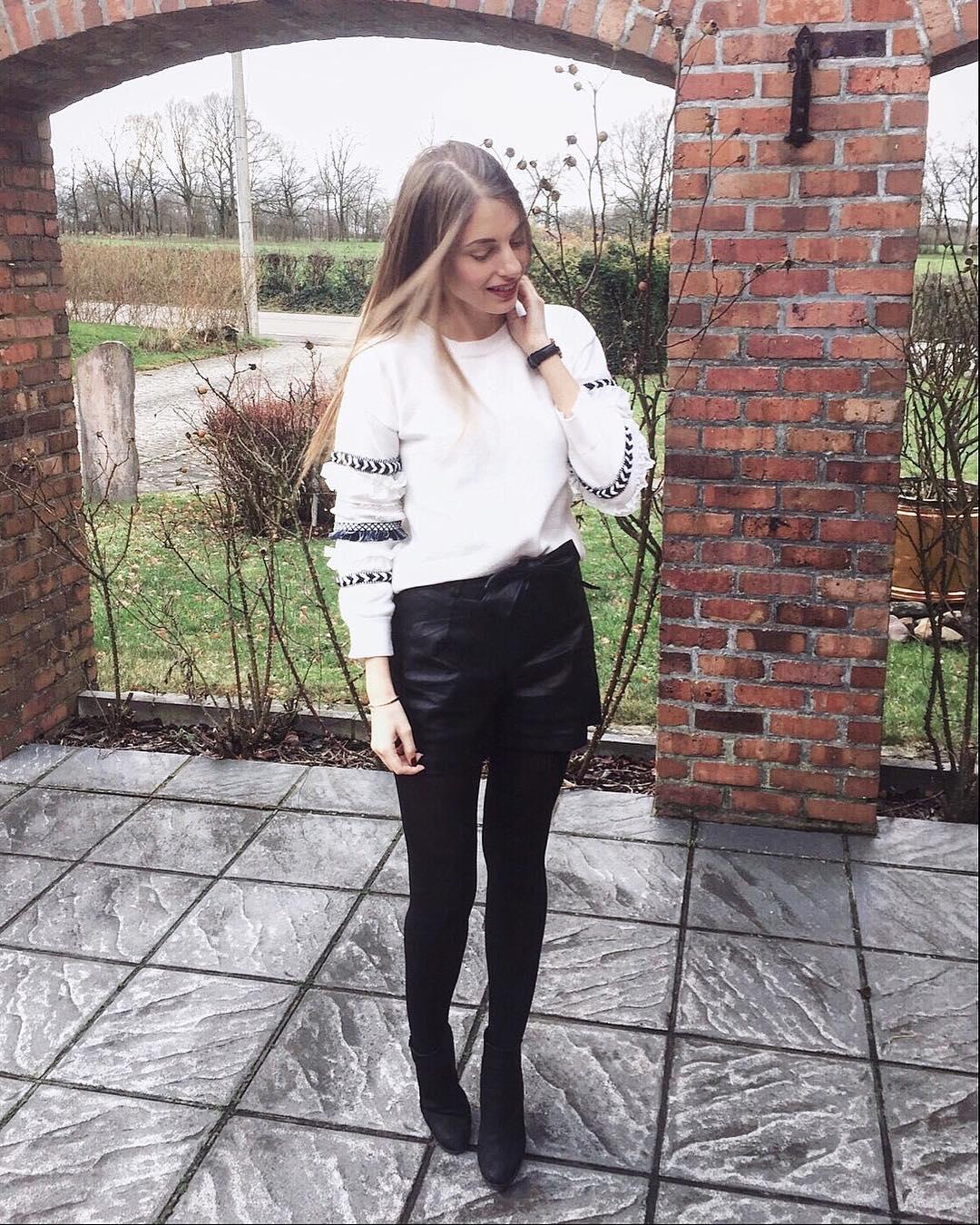 grey frou pullover de Les Bourgeoises sur marylicious_