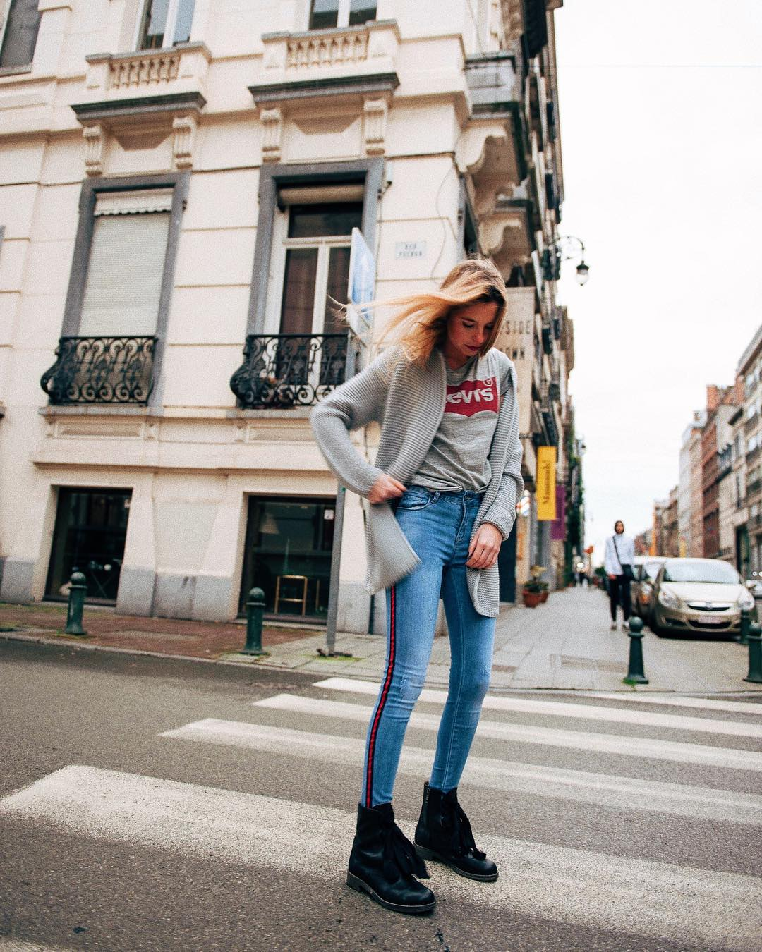t-shirt levis gris de Les Bourgeoises sur lesbourgeoisesofficiel
