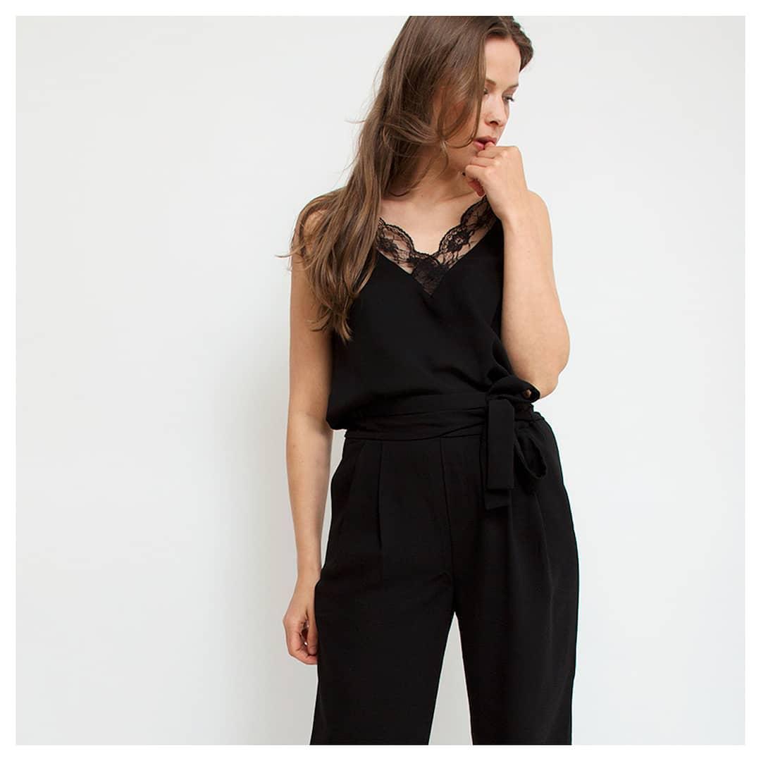 pantalon noir carotte de Les Bourgeoises sur siennagoodies
