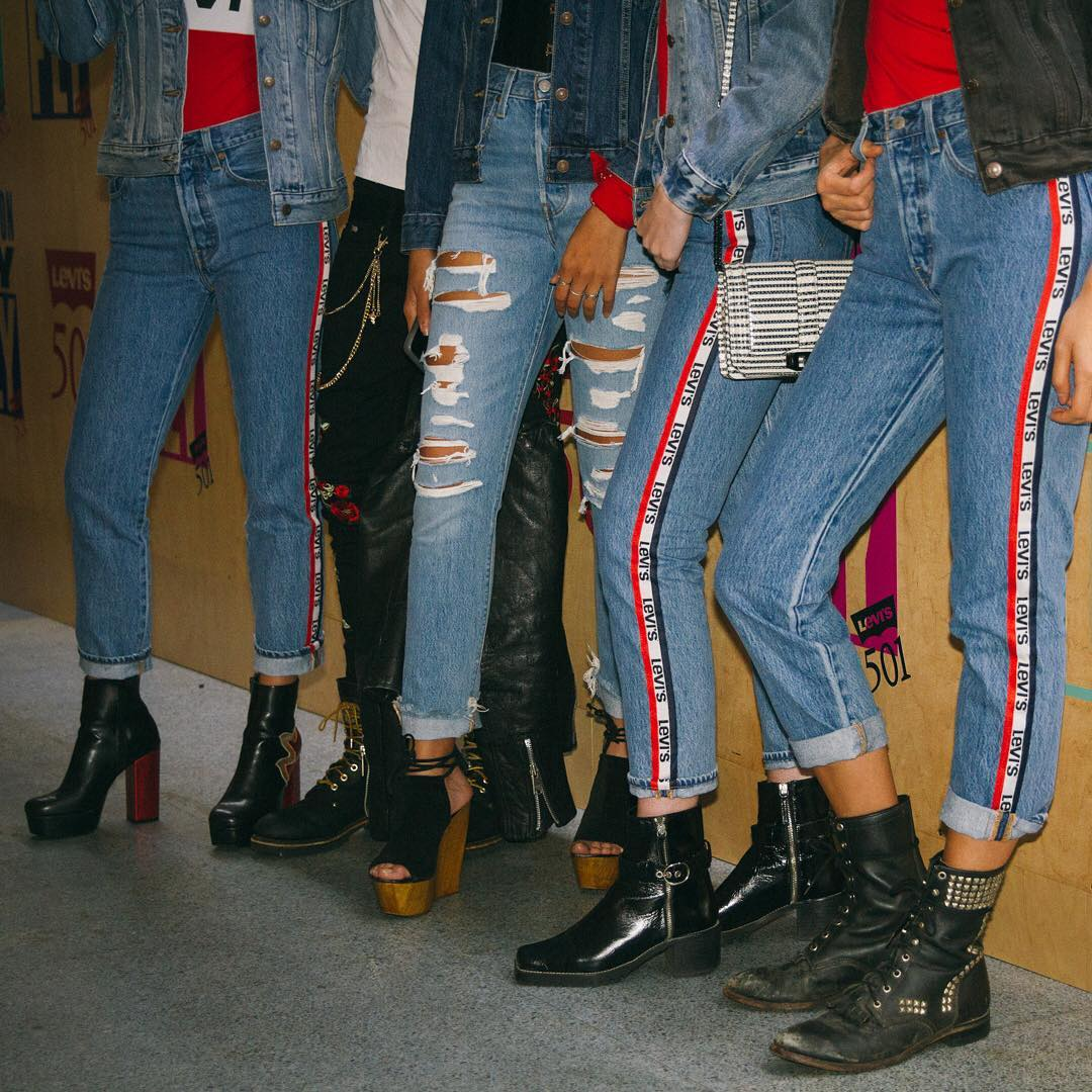 jeans levis bande laterale rouge de Les Bourgeoises sur levis