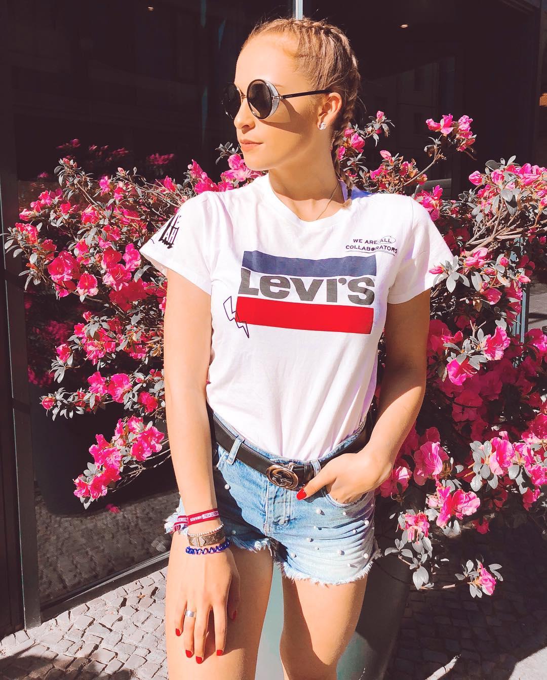white girls levis t-shirt de Les Bourgeoises sur funken_momente