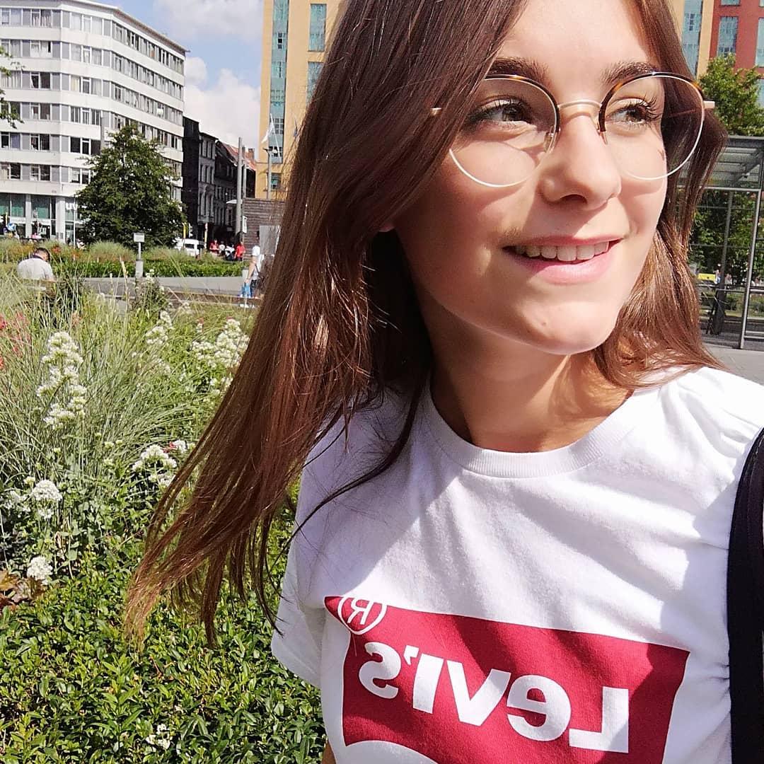 white levis t-shirt de Les Bourgeoises sur sarahrbbns
