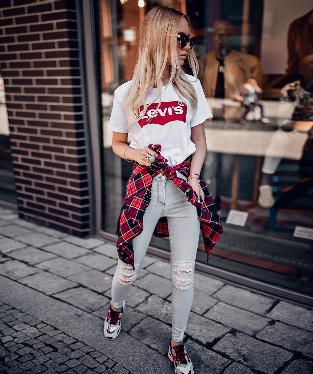 t-shirt levis blanc de Les Bourgeoises sur oksana_orehhova