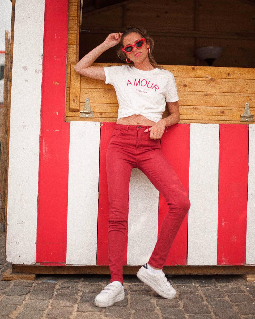pantalon rouge carmin de Les Bourgeoises sur lesbourgeoisesofficiel