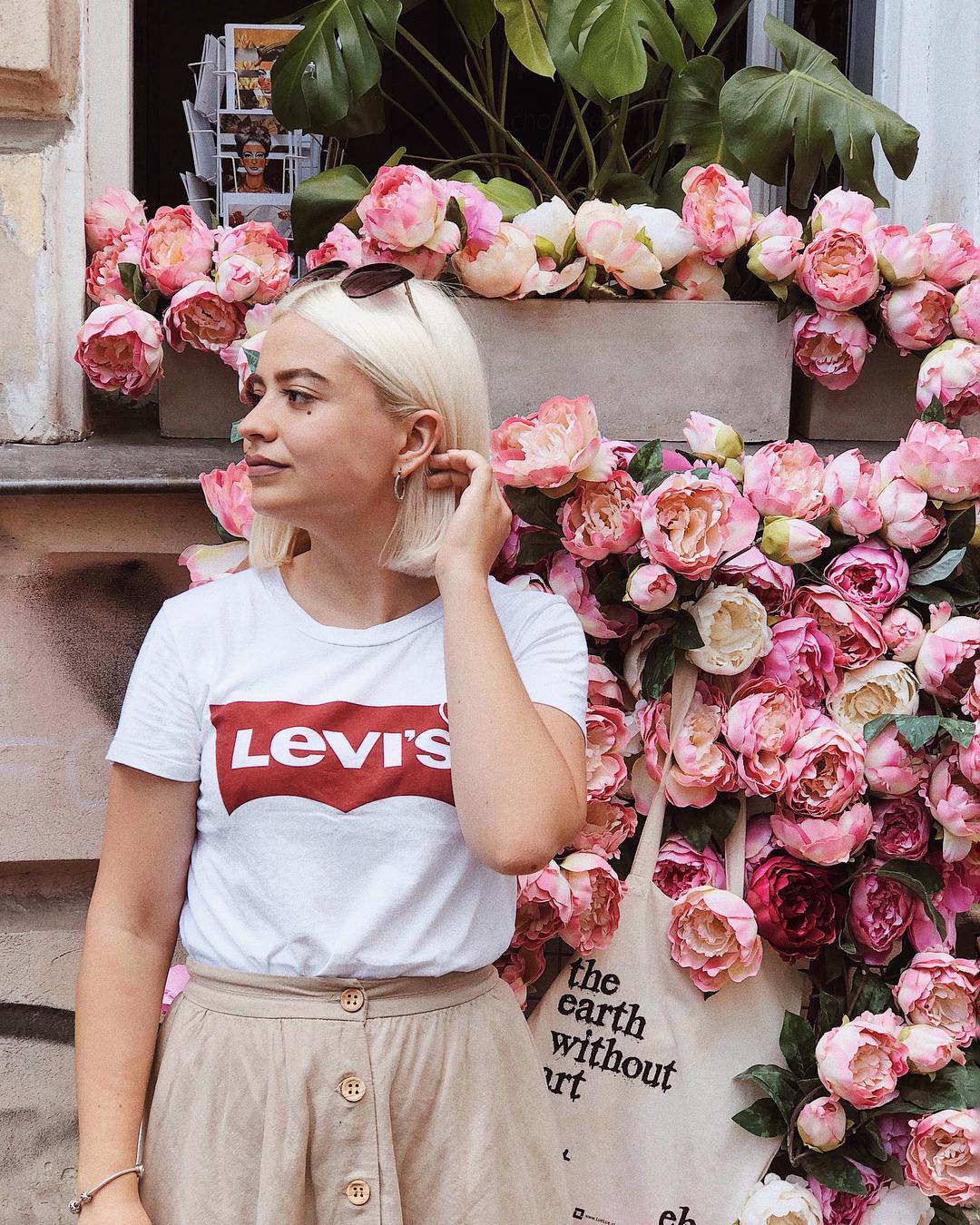 t-shirt levis blanc de Les Bourgeoises sur lenawisher