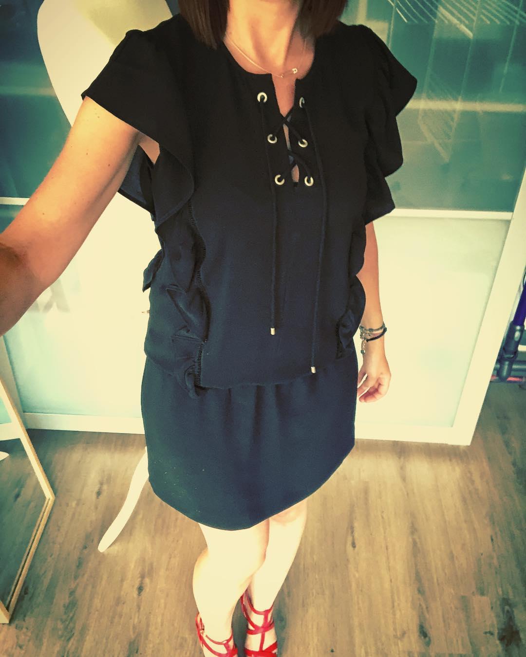 crêpe ruffle dress de IKKS sur pims_little_secrets