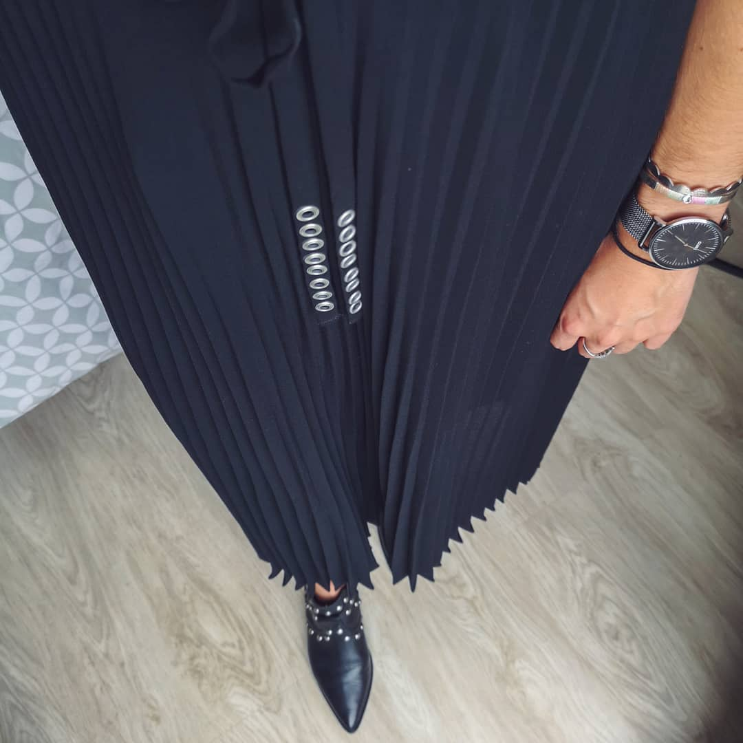 long pleated skirt de IKKS sur emilieee.idr