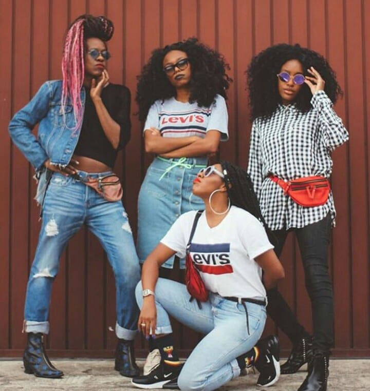 white girls levis t-shirt de Les Bourgeoises sur vistart_
