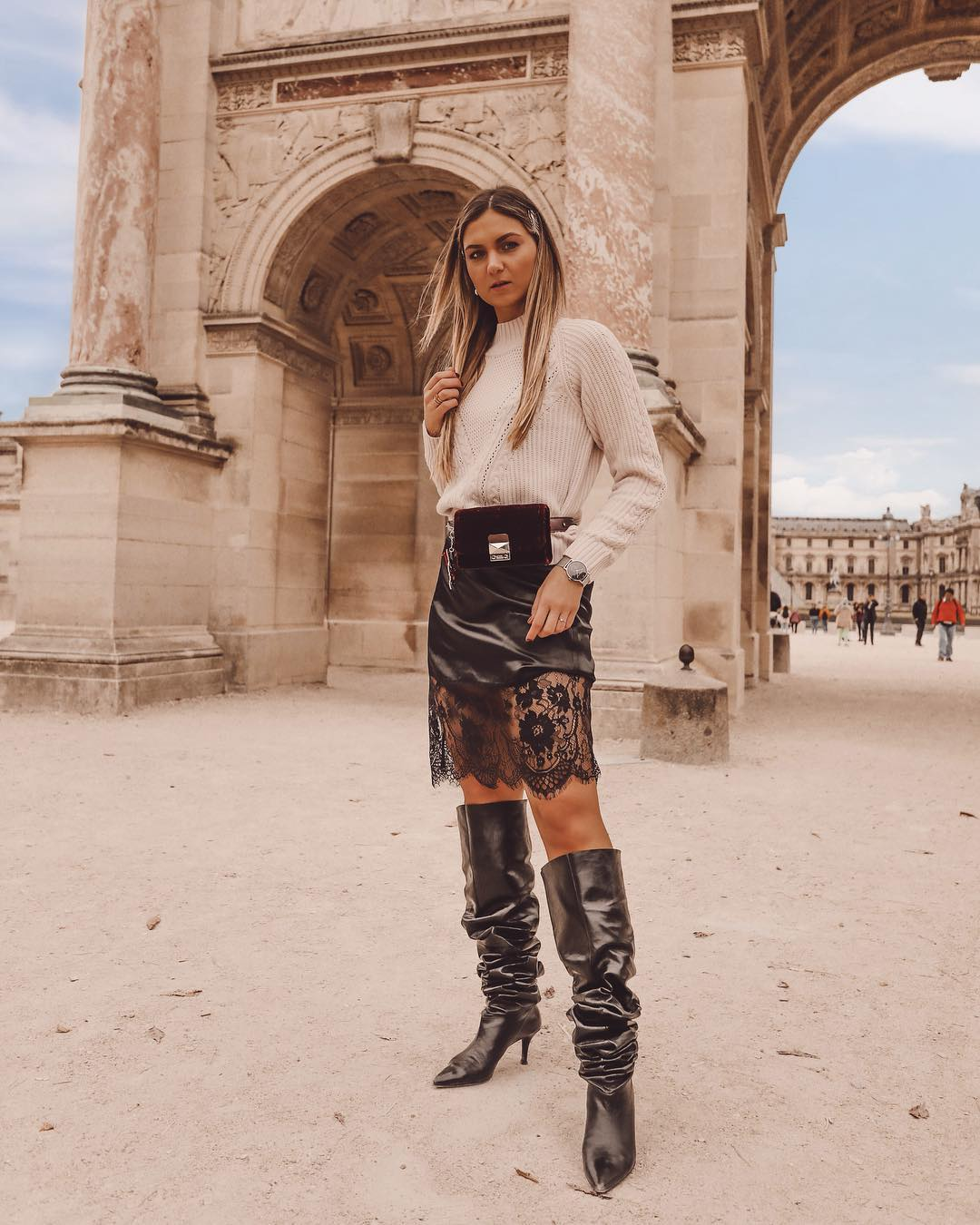 over-the-knee boot de AGL sur the.simone