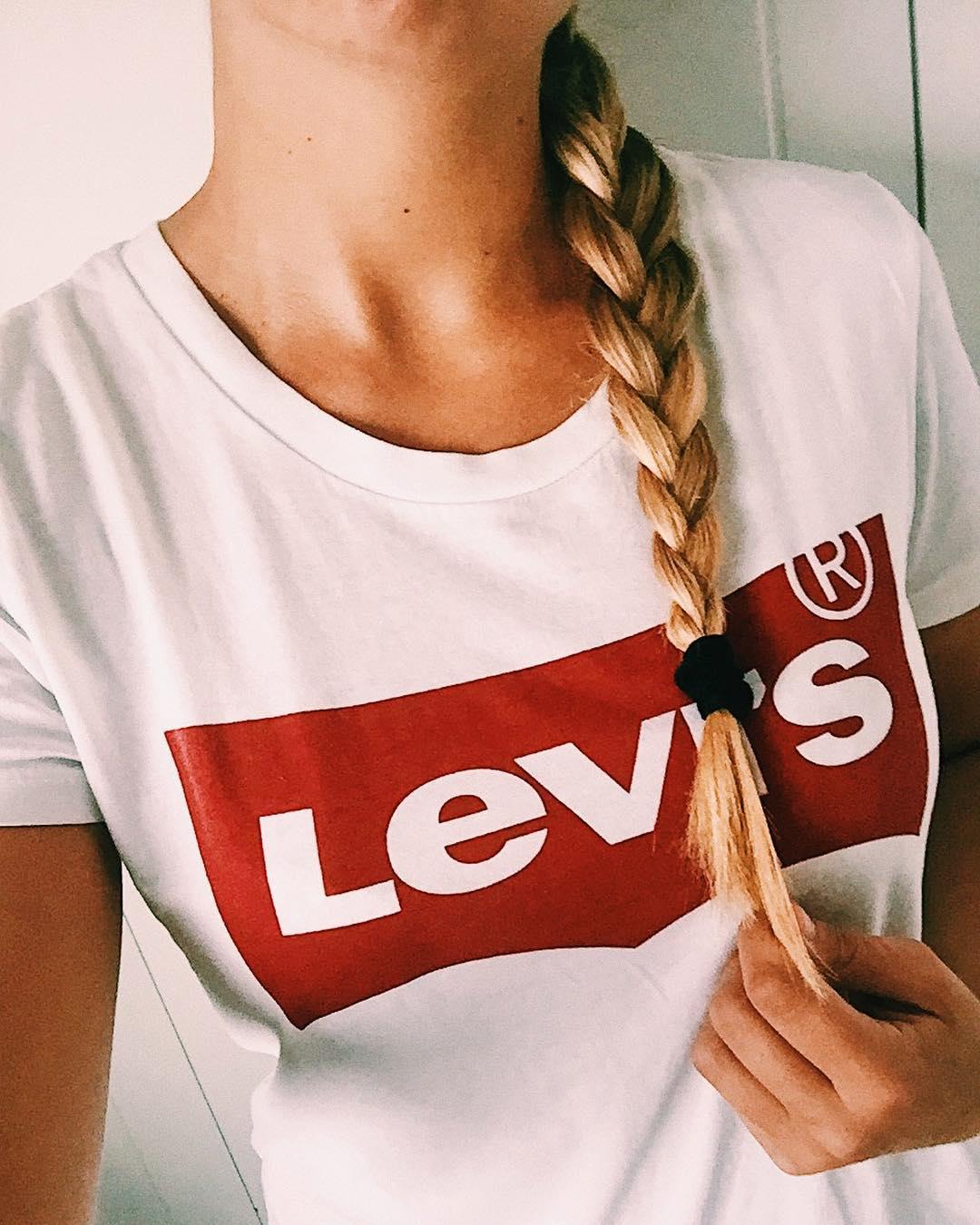 white levis t-shirt de Les Bourgeoises sur vl.marie