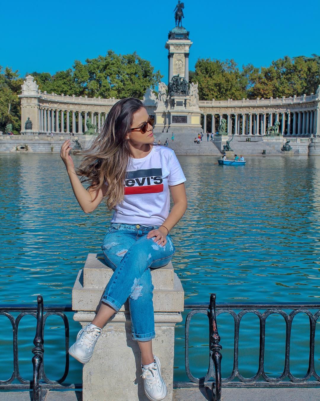 white girls levis t-shirt de Les Bourgeoises sur mi_scarano