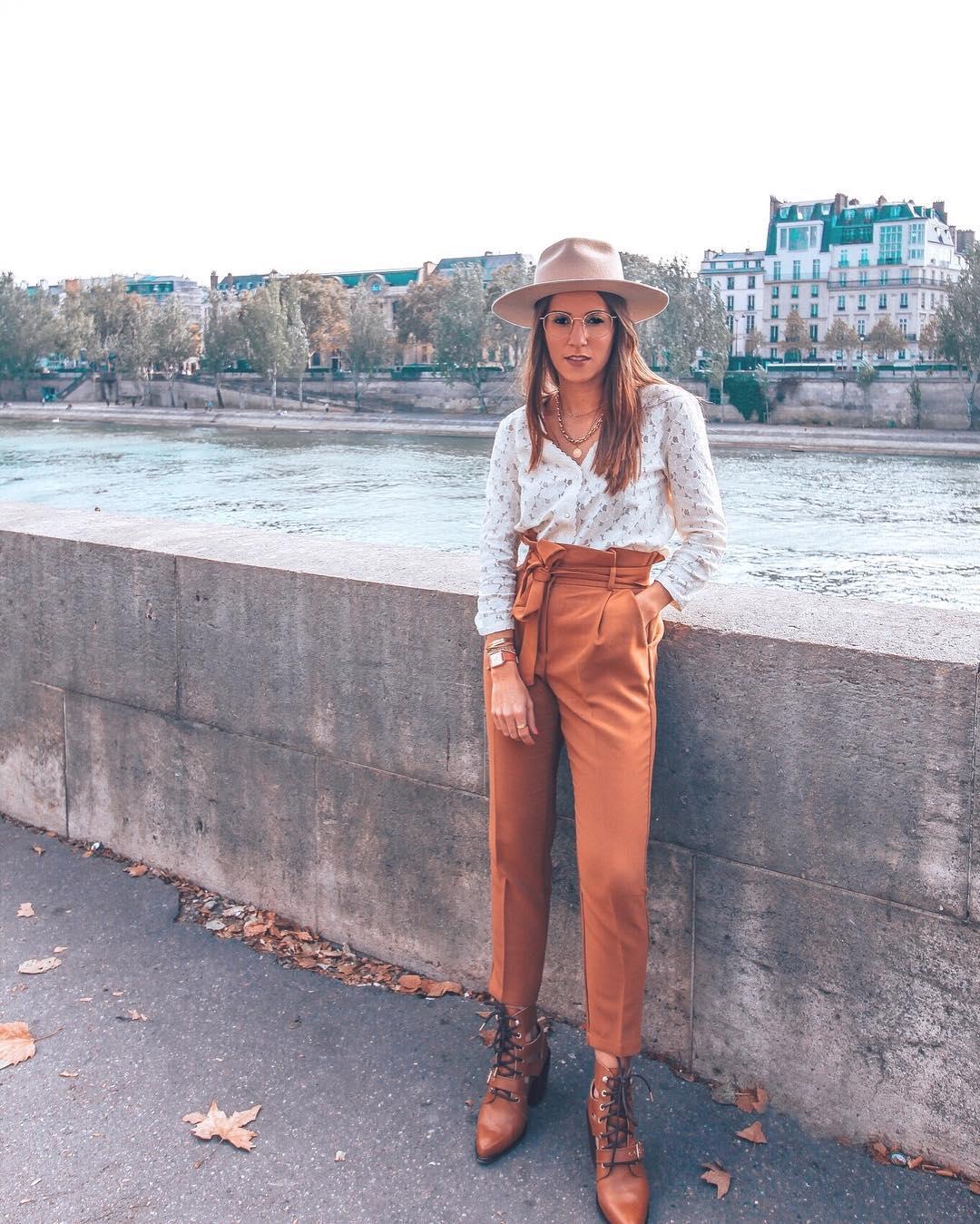 pantalon caramel de Les Bourgeoises sur perrineontheroad
