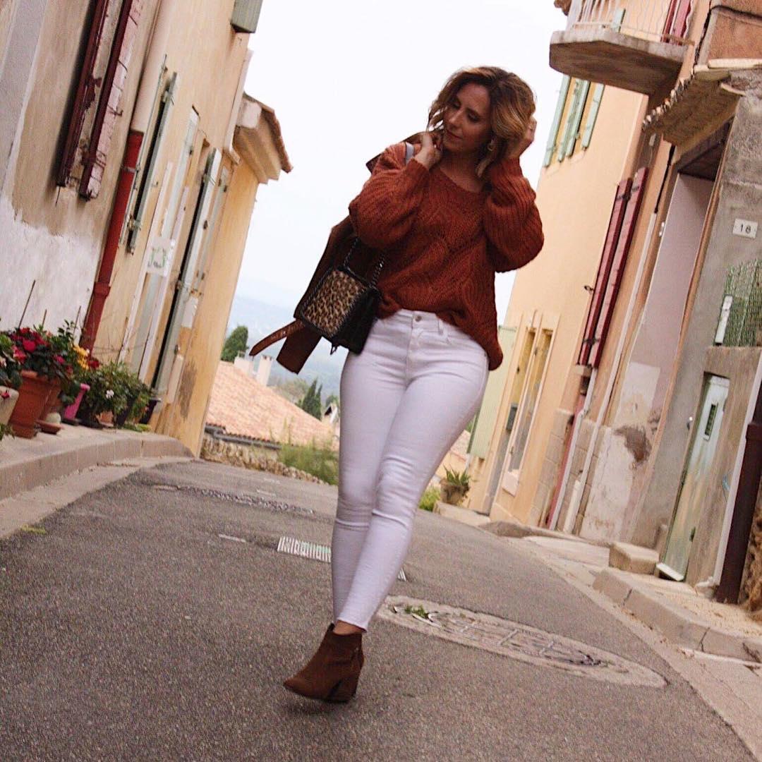 pull beige court de Les Bourgeoises sur mary_fashion_diary