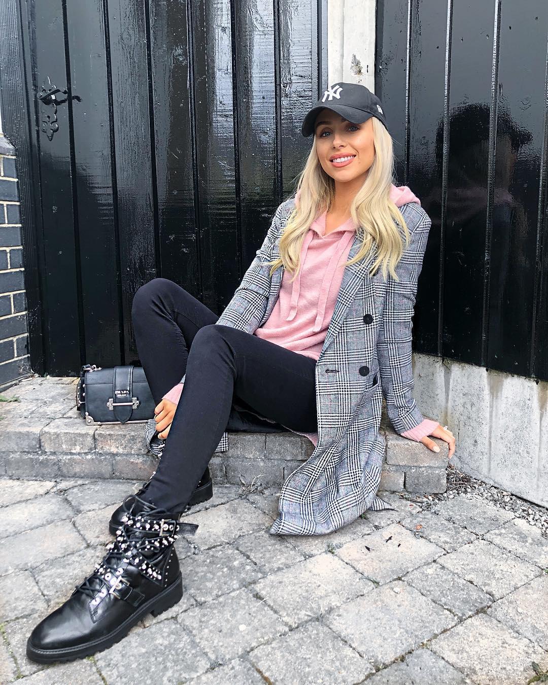 leather boots with jewellery de Zara sur rosieconxxx