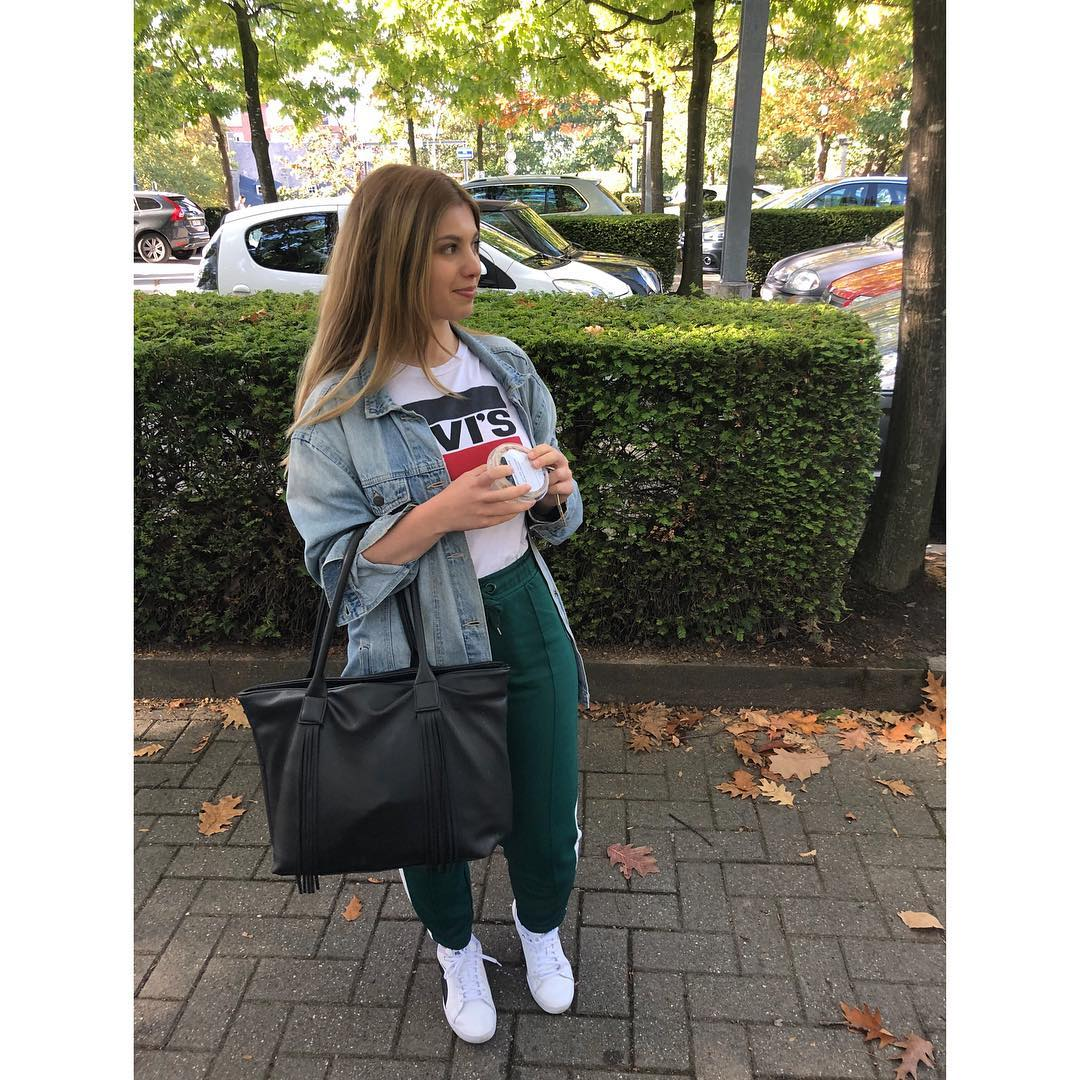 white girls levis t-shirt de Les Bourgeoises sur stephanie_fsn