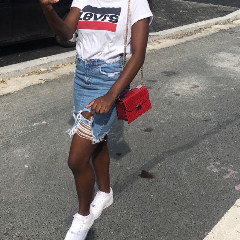 white girls levis t-shirt de Les Bourgeoises sur __divss_