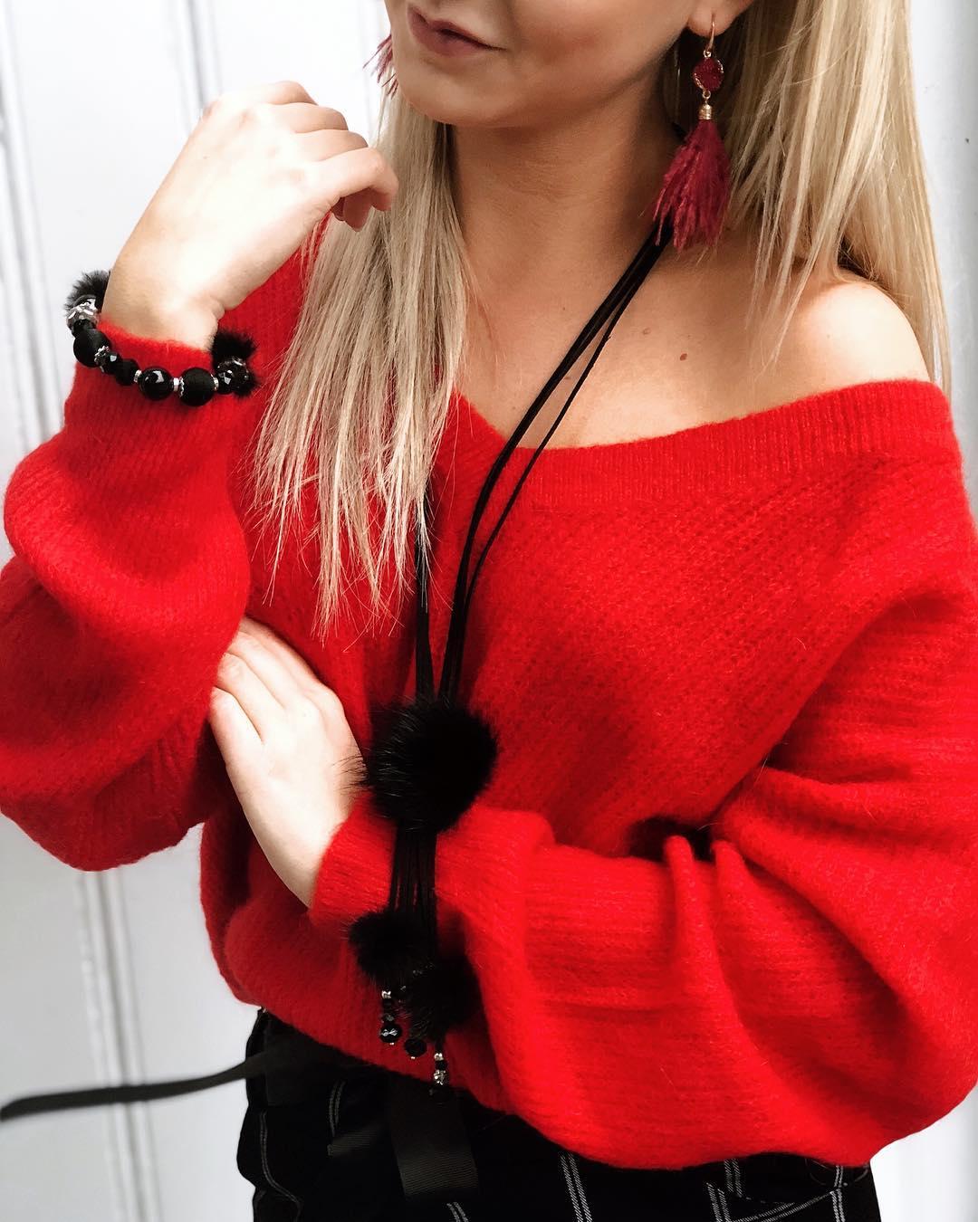 pull rouge en v de Les Bourgeoises sur gallerysbelgium
