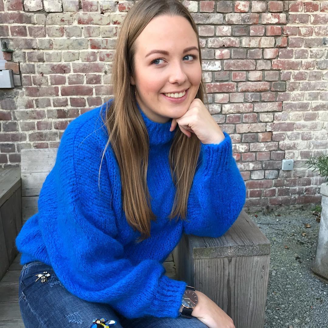 blue indy jumper de Les Bourgeoises sur beaumonde.fashion
