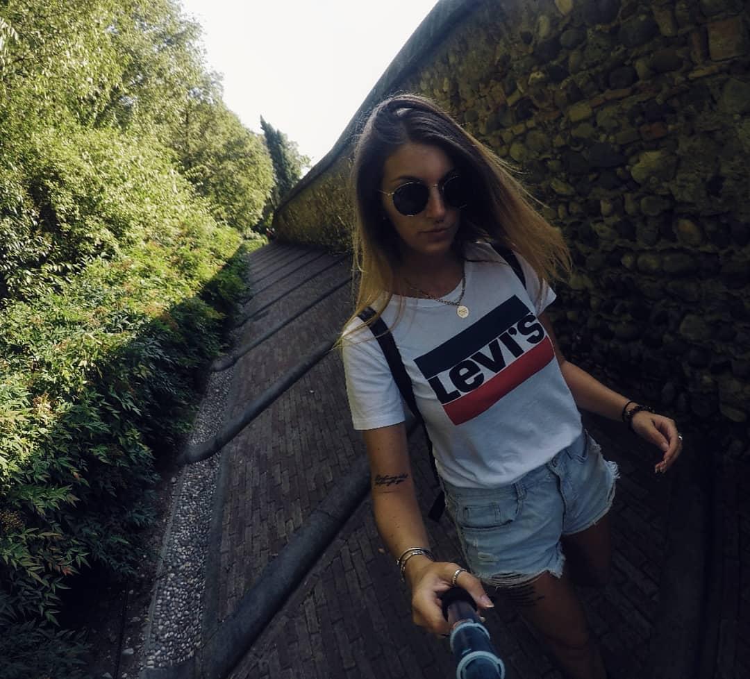 white girls levis t-shirt de Les Bourgeoises sur claudiavitali_