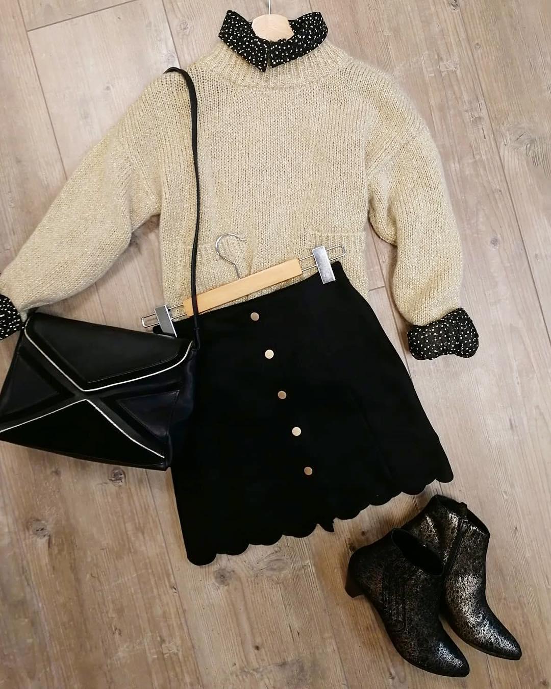jupe noire suédine de Les Bourgeoises sur lesimpertinentes