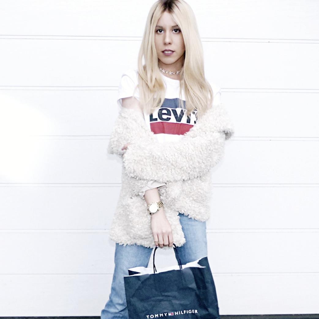 white girls levis t-shirt de Les Bourgeoises sur melissa.vlog