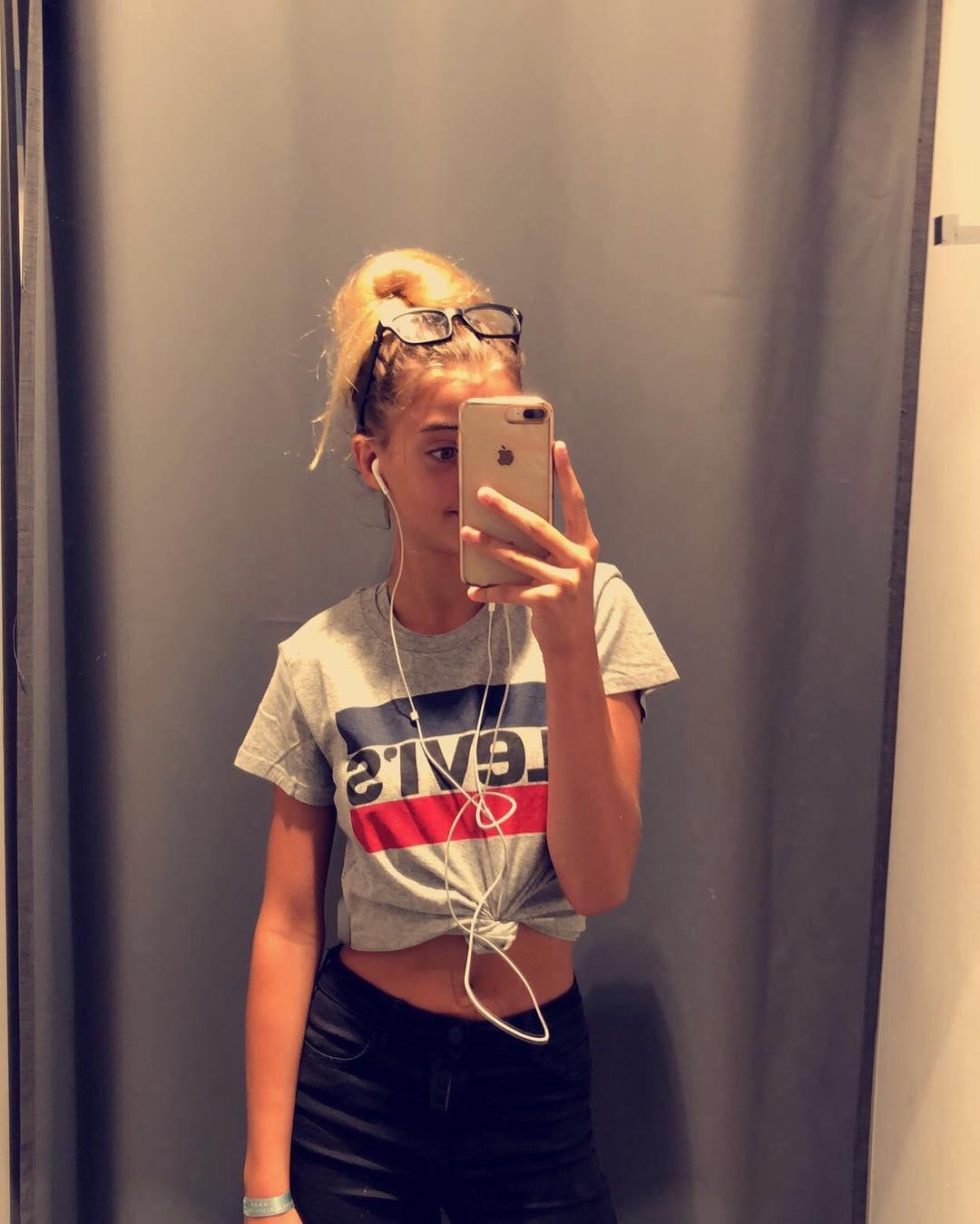 white girls levis t-shirt de Les Bourgeoises sur celia_gtrr
