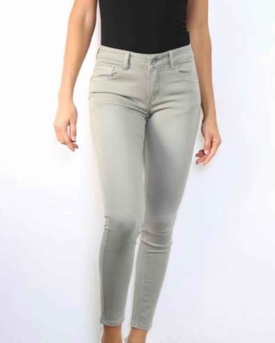 pantalon gris perlé de Les Bourgeoises sur laperlalaperla