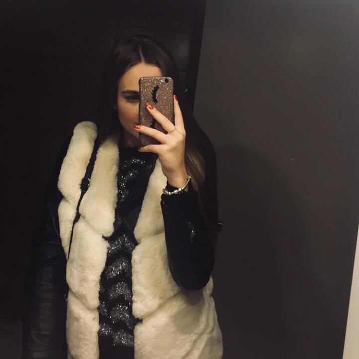 black sleeveless vest de Les Bourgeoises sur dewolfkjeira