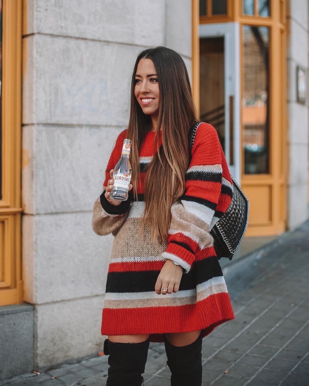 sac bandoulière avec chaîne gravée de Zara sur lorenagodoy