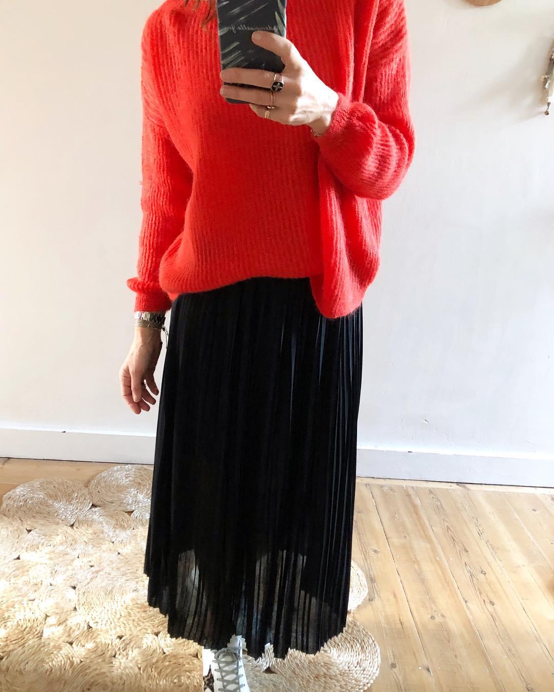 jupe plissée noire de Les Bourgeoises sur mademoiselleyoushop