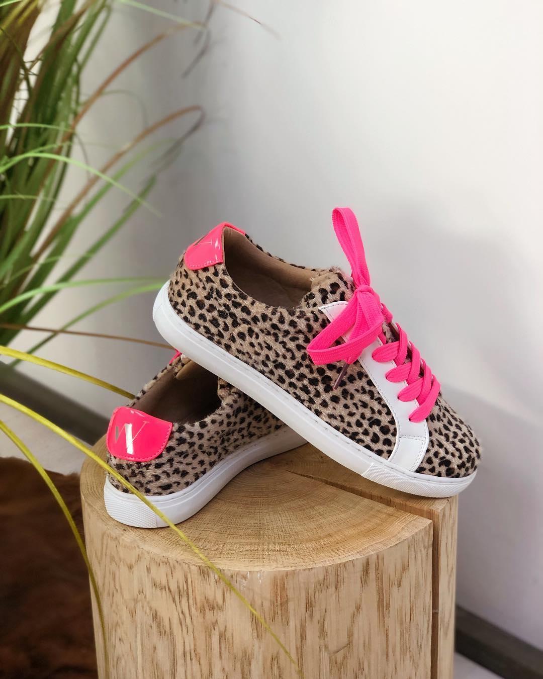 baskets leopard / fluo de Les Bourgeoises sur lesbourgeoisesofficiel