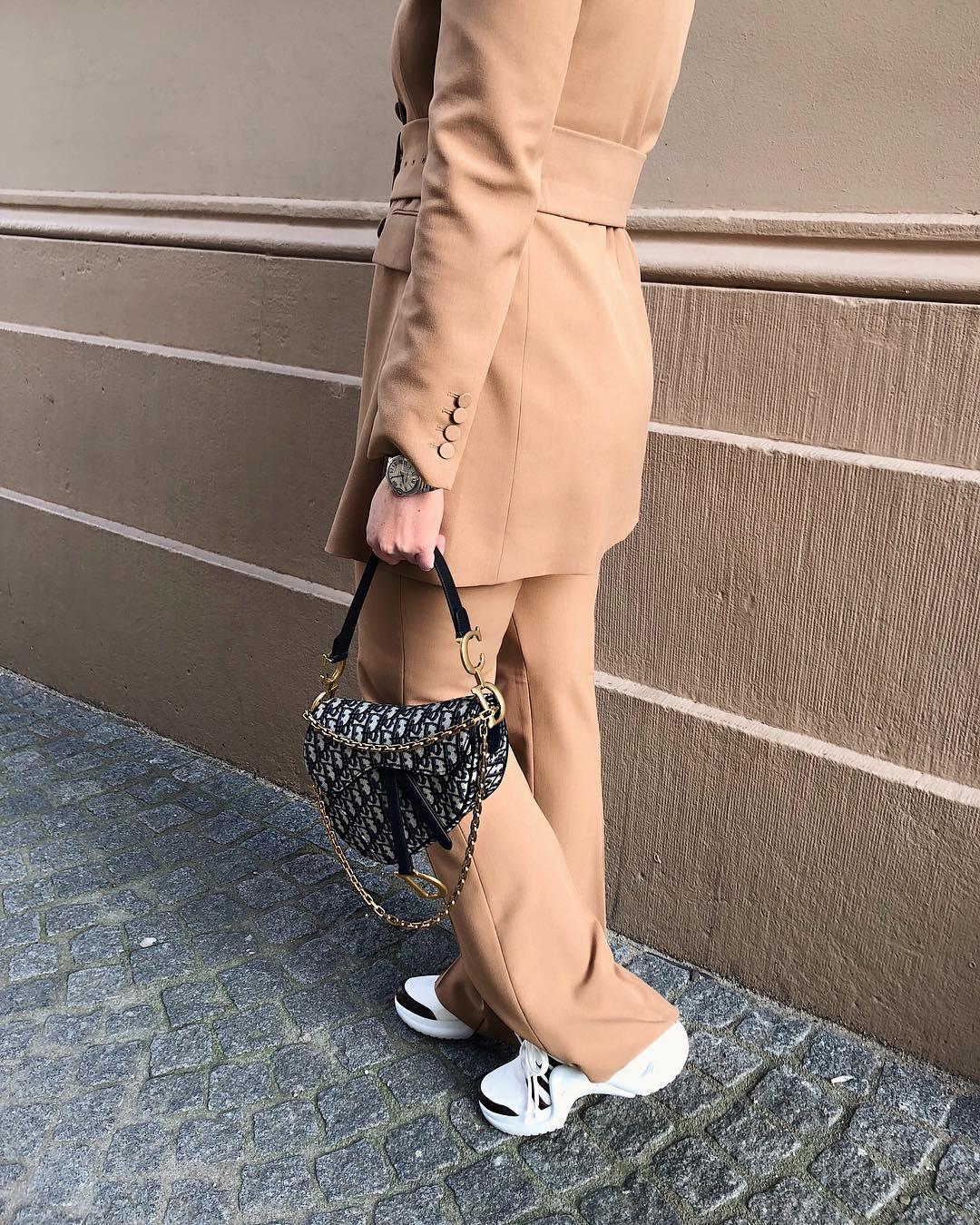 flare pants de Zara sur looksofkim