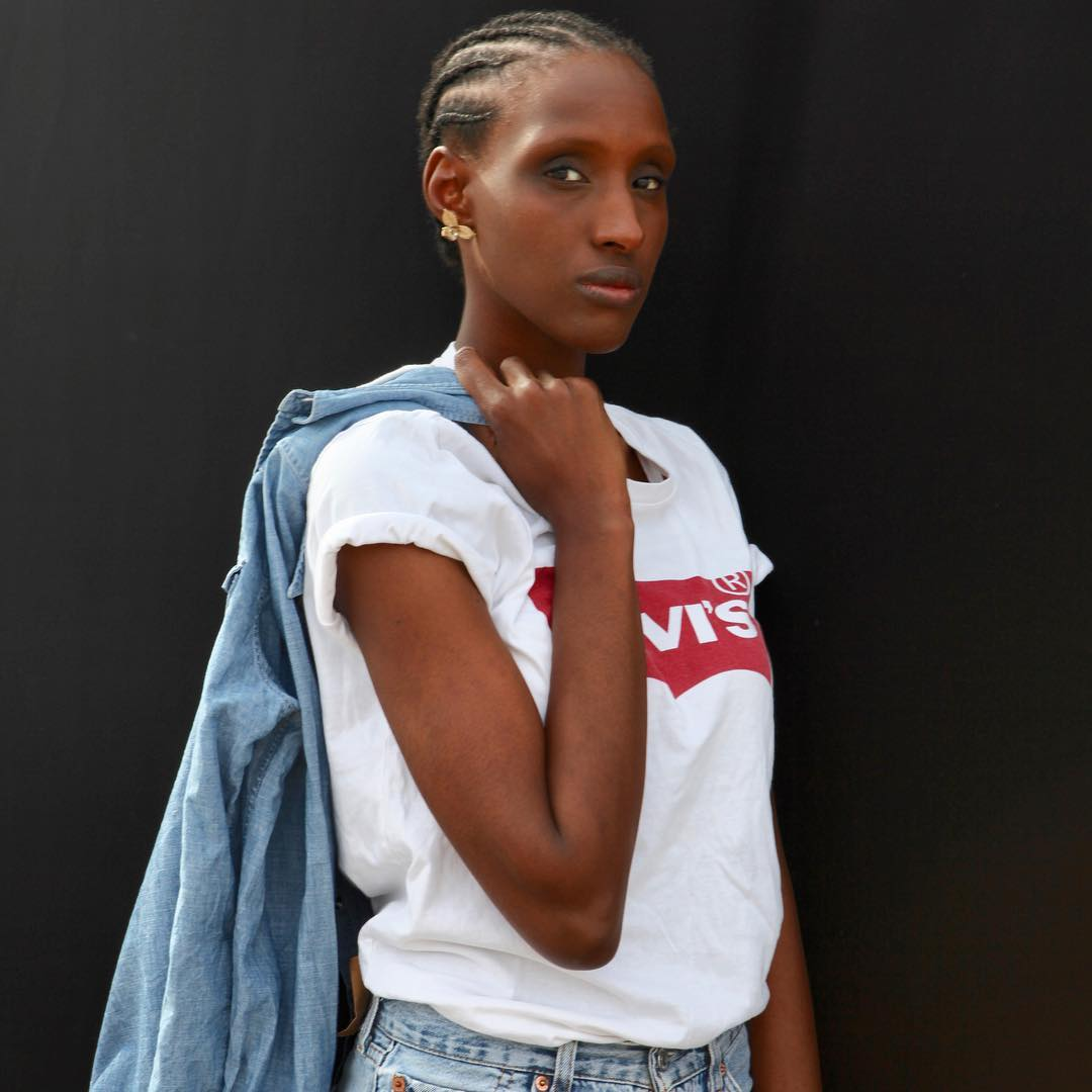 t-shirt levis blanc de Les Bourgeoises sur rippertphotographer