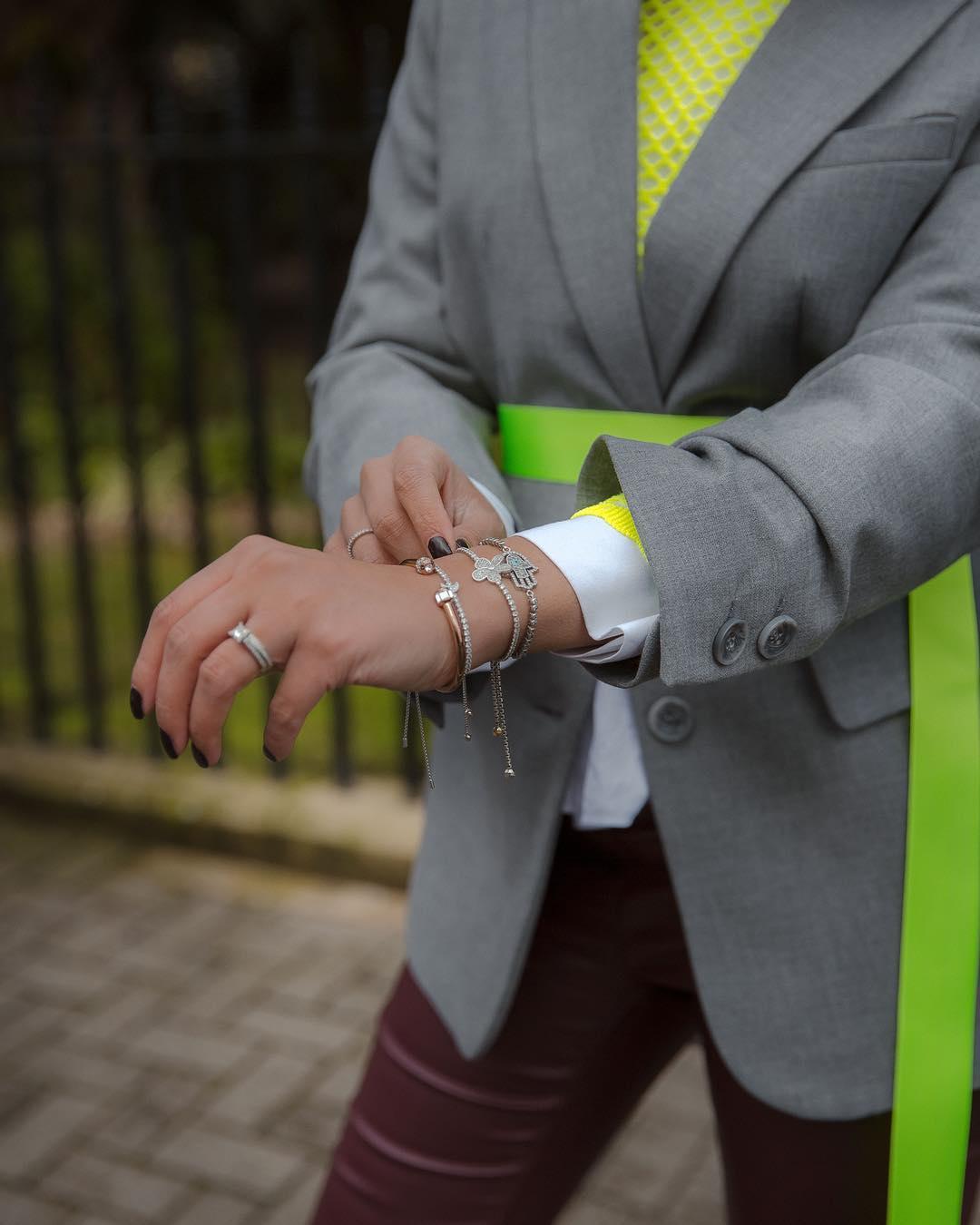 oversized jacket with belt de Zara sur styledbydhillon