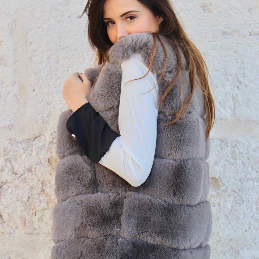 black sleeveless vest de Les Bourgeoises sur urbandressing