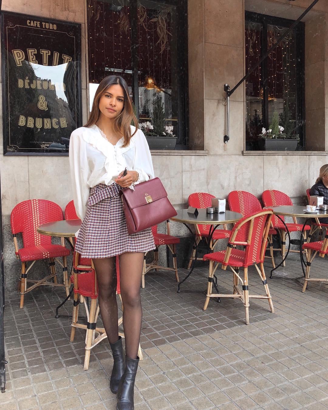 mini jupe en tweed à ceinture de Zara sur emitaz