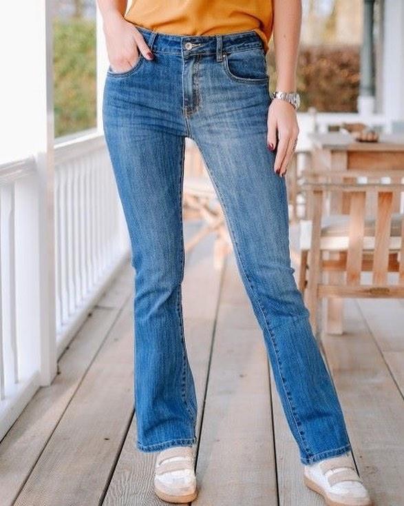 jeans évasé de Les Bourgeoises sur scanlesbourgeoises