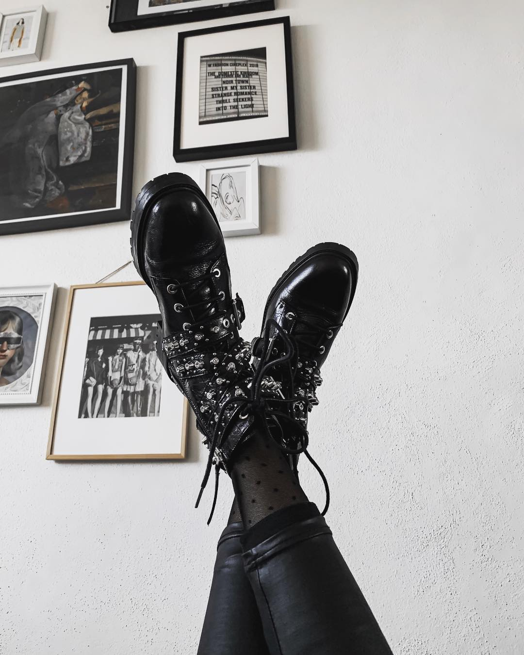 leather boots with jewellery de Zara sur meljacome