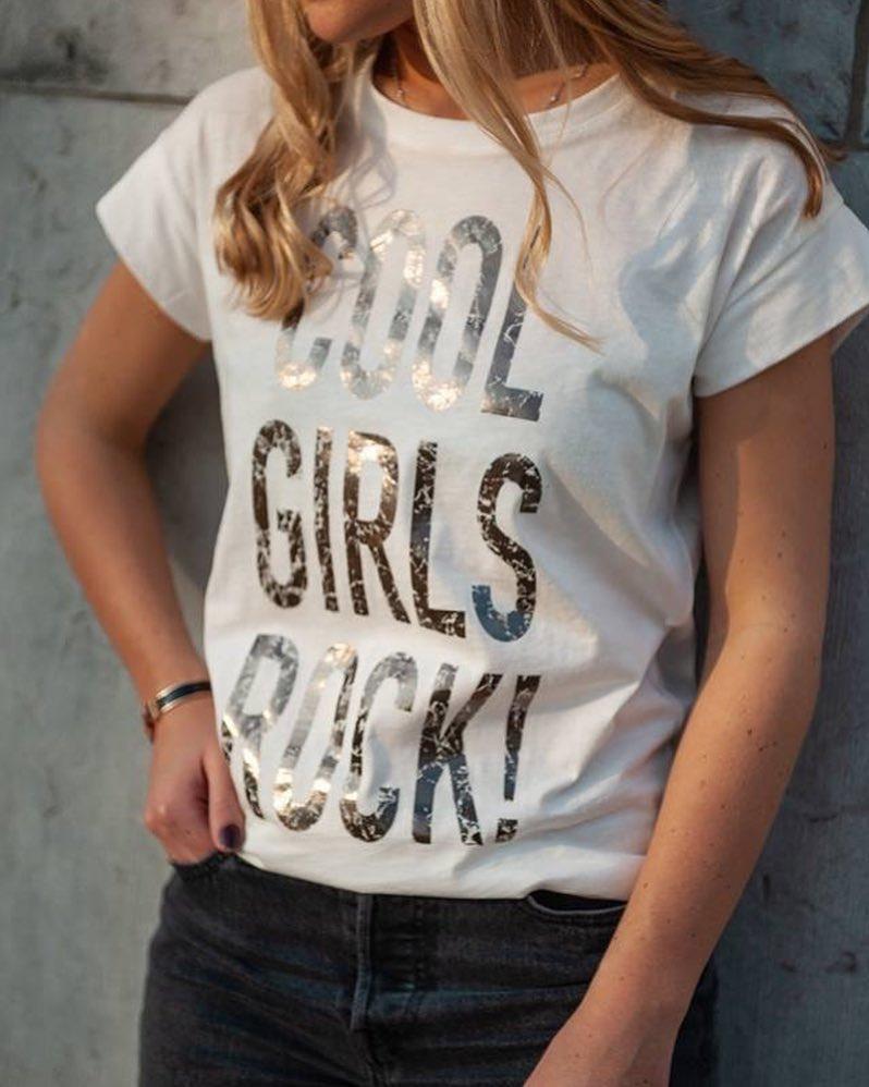 t-shirt rock noir de Les Bourgeoises sur scanlesbourgeoises