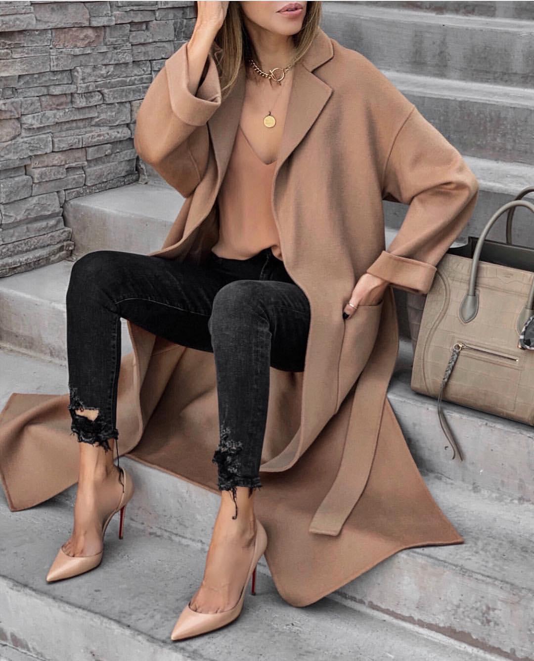 manteau avec poches et ceinture de Zara sur zara.mania