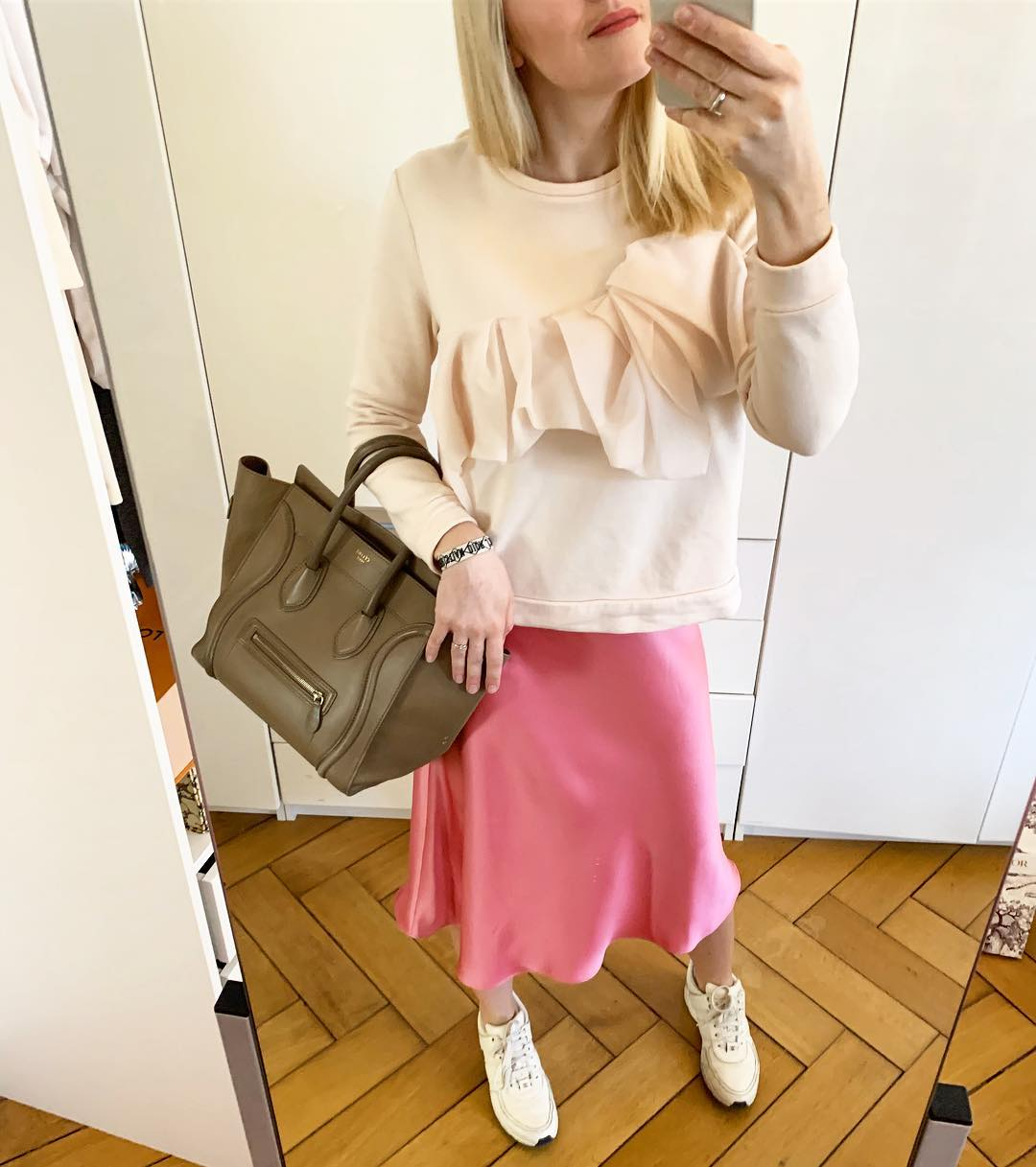 satin skirt de Zara sur its.me.romy