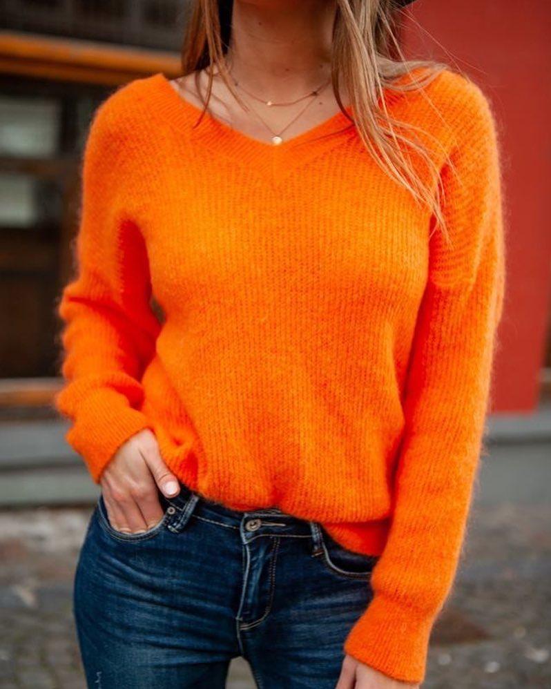 pull orange de Les Bourgeoises sur scanlesbourgeoises