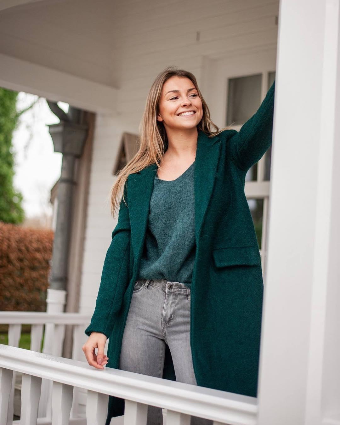 jeans gris/perles de Les Bourgeoises sur scanlesbourgeoises