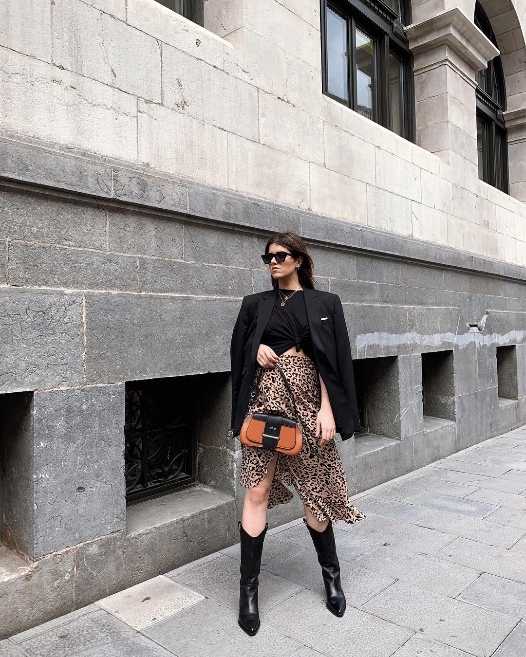 leather boots with cowboy heels de Zara sur carolinabrunelli_
