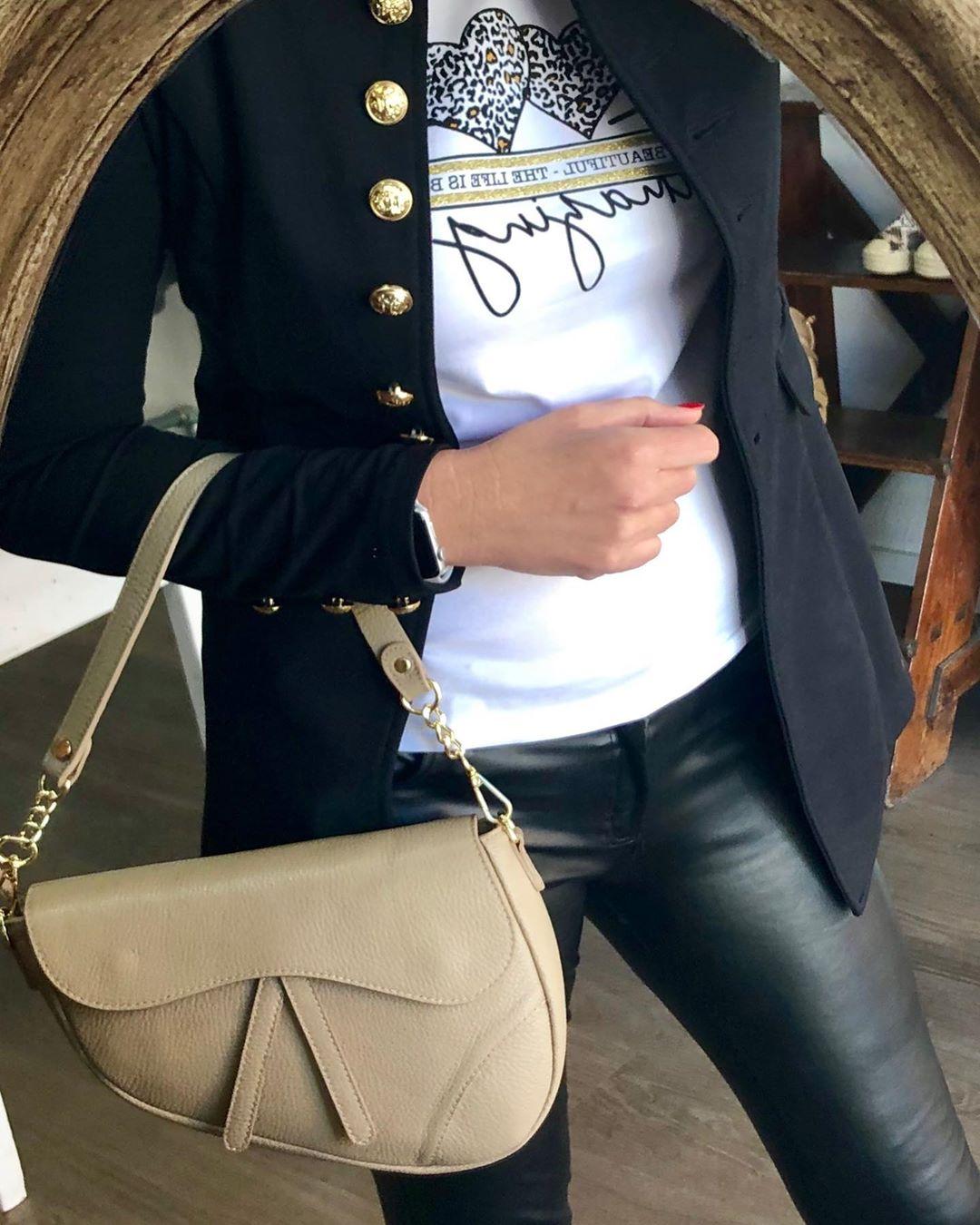 pantalon noir enduit de Les Bourgeoises sur anna_tienda_de_ropa