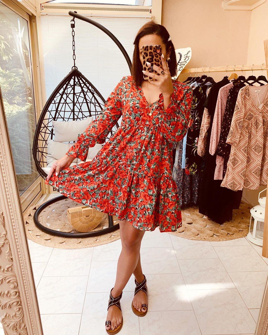robe rouge a fleurs de Les Bourgeoises sur monlook.fr